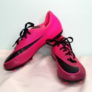 NIKE hot pink and black soccer clets